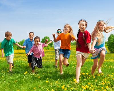a group of children running